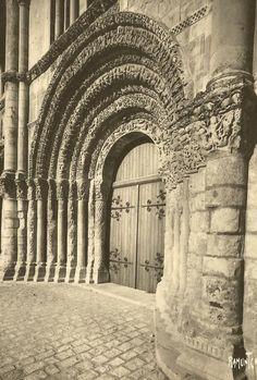Abbaye aux Dames , Saintes (France)
