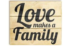 GroopDealz | 'Love Makes a Family' Wood Plank Sign