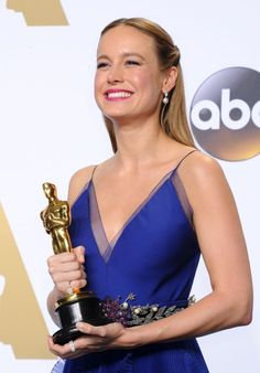 Brie Larson - 2016 Oscar Winner for Best Actress, Academy Awards, Brie Larson Style, Outfits, Clothes and Latest Photos. Academy Award Winners, Oscar Winners, Academy Awards, Hollywood Actresses, In Hollywood, Actors & Actresses, Best Actress Oscar, Oscar Dresses, Brie Larson