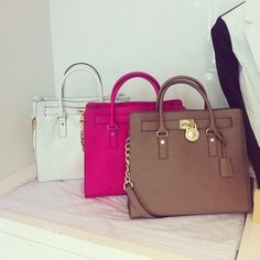 Wow!! $39.99 Michael kors Purse outlet for Christmas gift, love these Cheap Michael kors Bags so much!