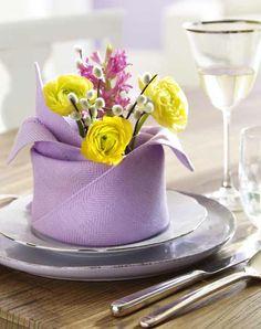http://www.copyepaste.com/2013/04/guardanapo-bonito-para-uma-mesa-especial.html