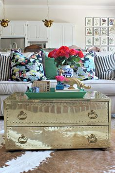 Dimples and Tangles: I STRUCK GOLD {BRASS CHEST COFFEE TABLE}