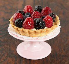 Fruit Tarts {Tartellette con Crema Pasticcera e Frutti di Bosco}