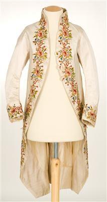 Coat (image 1)   Spain   1785-1800   silk, linen   Textilteca CDMT   Museum #: 11621