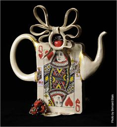 Queen of T-Arts teapot, Meryl Ruth