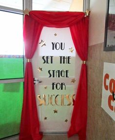 Here's one door decorating idea for the Hollywood theme classroom!
