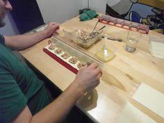 Neuendorf, 24. Juli 2012: Vorbereitung unserer Snacks für die Lounge an der Chilbi Niederbuchsiten. Es wird Lounge-Täschli mit vier verschiedenen Füllungen geben.