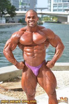 Muscle Lover: August 2015
