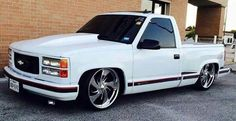 White Chevy Stepside Dropped Trucks, Lowered Trucks, Jacked Up Trucks, Gm Trucks, Cool Trucks, 1998 Chevy Silverado, Chevy Stepside, Silverado Truck, Chevy Pickups