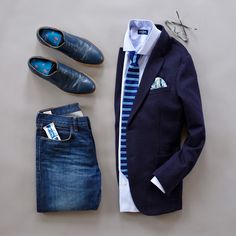 Back to the grind. back to blue and a knit tie. Today is gonna be a busy day for sure! Mens Casual Dress Outfits, Stylish Mens Outfits, Cool Outfits, Business Casual Men, Business Fashion, Men Casual, Look Fashion, Mens Fashion, Casual Chic Style