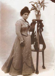 RETRATOS DE FAMILIA: Ascensión Corella Martínez, esposa de Martín Vidal Romero.