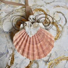 Angel made from a local shell! Handmade Books, Illustration Art, Shell, My Arts, Angel, How To Make, Color, Inspiration, Art