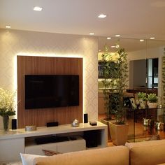 Boa noite fofuras!!! Móvel tv com iluminação indireta destacando o papel de…