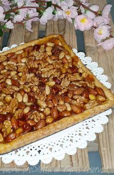 Crostata di frutta secca con marmellata