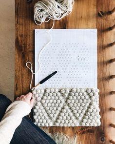 I Learn Knitting Crochet Bobble, Crochet Diy, Crochet Home, Crochet Crafts, Crochet Projects, Afghan Crochet, Crochet Cable Stitch, Crochet Blocks, Crochet Granny
