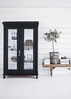 Ideas Olive Tree Interior Design For 2019 Decorating Your Home, Interior Decorating, Tree Interior, Black And White Interior, Black White, Dark Interiors, Scandinavian Home, White Houses, White Decor