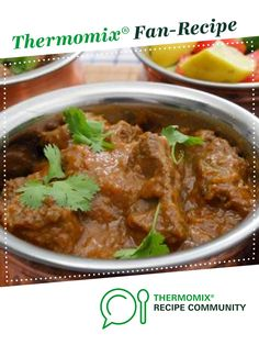 Recipe Thai Beef or Chicken Massaman Curry by learn to make this recipe easily in your kitchen machine and discover other Thermomix recipes in Main dishes - meat. Thai Beef Curry, Chicken Massaman Curry, Beef Massaman, Massaman Curry Paste, Meat Recipes, Recipies, Dinner Recipes, Indian Food Recipes, Ethnic Recipes