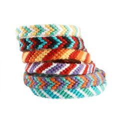 Friendship Bracelets: Free Easy Level Tutorial