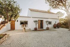 Gorgeous home on the Portuguese coast (the Algarve) Industrial Home Design, Industrial House, Spanish Style Homes, Spanish House, Modern Southwest Decor, Spanish Modern, Spanish Colonial, Farmhouse Remodel, Mediterranean Homes