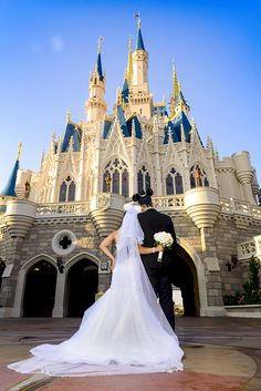 Discover storybook romance and grandeur  during a portrait session at Magic Kingdom. Photo: Amanda, Disney Fine Art Photography