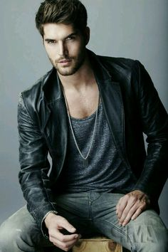 Wow - what's not to like about Nick Bateman in leather. Nick Bateman, Traje Casual, Mode Man, Leather Jacket Outfits, Leather Blazer, Leather Jackets, Model Foto, Good Looking Men, Stylish Men