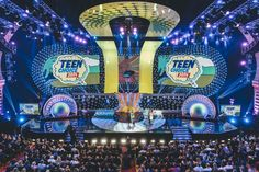 2014 Teen Choice Awards. Robe. LD Tom Kenny. produced by Bob Bain, Greg Sils and Paul Flattery #music #teen #awards http://livedesignonline.com/robe-shines-2014-teen-choice-awards
