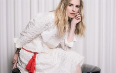 Download wallpapers Brit Marling, photoshoot, smile, white costume, american actress