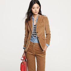 Tried this blazer on today - not as flattering as I hoped. Too 70's, and not in a good way.