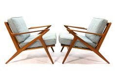 Pair of authentic Z lounge chairs designed by Poul Jensen for Selig. These…