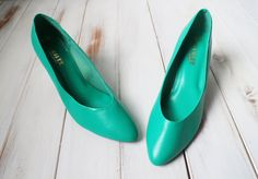 SIZE 9 Vintage Turquoise Green Pointy Pumps New Old Stock by 601VINTAGE on Etsy