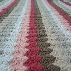 Kul hakkından korkuyorsan sevdiklerini anla anlaşılmamis her kalbin hesabını vereceksin!!!!!!!!  Hemen teslim bebek battaniyemiz fiyat ve siparis bilgisi için whatsapp veya DM  #siparisalinir#bebek#bebekbattaniyesi#babyblanket#crochetblanket#crochet#crocheting#crochetdesign#dekor#dekorasyon#deryabaykal#handmade#handemadeblanket#baby#babygirl#babyboy#kizbebek#erkekbebek#good#goodnight#renkli#keyif#mutluluk#lale#sarı#instagramers#hediye#dogumhediyesi by ysmn_orgu