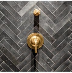 Herringbone Shower Tiles - Design photos, ideas and inspiration. Amazing gallery of interior design and decorating ideas of Herringbone Shower Tiles in bathrooms, kitchens by elite interior designers. Loft Bathroom, Bathroom Interior, Slate Bathroom, Tile Bathrooms, French Bathroom, Shower Bathroom, Casas Magnolia, New York Loft, Herringbone Tile
