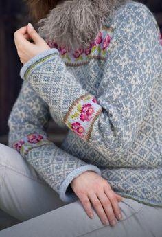 Fair Isle Knitting Patterns, Fair Isle Pattern, Knitting Stitches, Knitting Designs, Knit Patterns, Knitting Projects, Norwegian Knitting, Look Retro, Fingerless Gloves Knitted