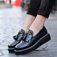 High Quality women Oxford Flats Platform shoes Patent Leather Tassel-front slip-on Brogue pointed toe Creeper black wine red 365