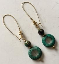 Vintage gold plated dangling earrings with malachite beads