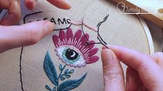 Hand embroidery tutorial for beginners. Here you can find embroidery stitches: splitstitch, back stitch, satin stitch. It is basic embroidery hoop art. Modern Embroidery, Embroidery Hoop Art, Beaded Embroidery, Embroidery Stitches, Flower Embroidery, Hand Embroidery Tutorial, Back Stitch, Embroidery For Beginners, Satin Stitch