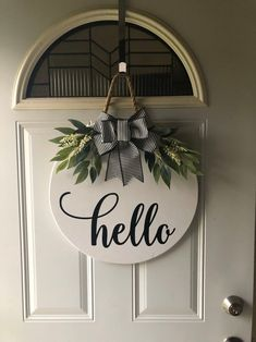 Woodworking That Sell Wood Crafts .Woodworking That Sell Wood Crafts Wooden Door Signs, Wooden Doors, Wood Signs, Pallet Signs, Rose Pastel, Round Door, Wood Rounds, Front Door Decor, Front Door Signs