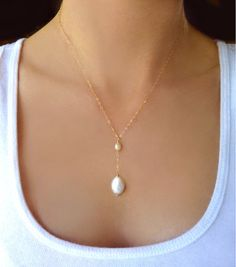 Beaded Freshwater Pearl Necklace - Gold or Silver Bridal Pearl Necklace Gift    Capture the beauty of the ocean with this genuine freshwater