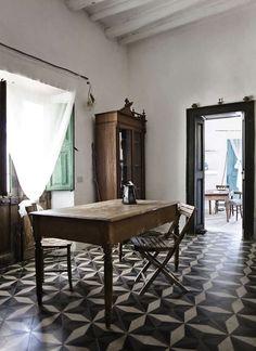 Ginostra B Mare Solo, Stromboli, Italy. Photo Sergio Ghetti I love those floors!