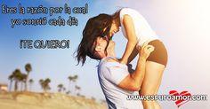 Bonita postal de hombre alzando a su pareja y bonita frase para compartir en facebook