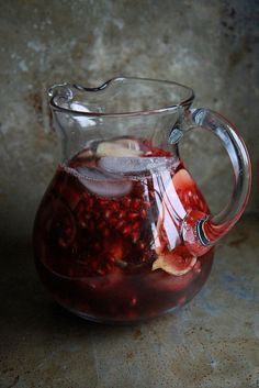 Recipe: Autumn Sangria with Apples, Pomegranate and Figs