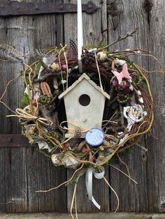 Zimmer frei - Frühlingskranz von FRIJDA im Garten - Aus einer Idee wurde Leidenschaft auf DaWanda.com