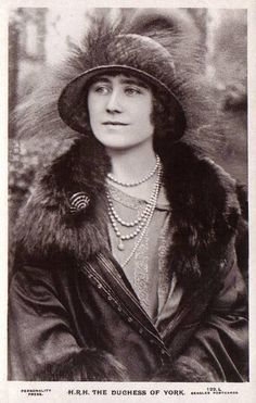 The Duchess of York, future Queen Elizabeth of Britain, nee Lady Bowes-Lyon 1900 – 2002 George Vi, Lady Elizabeth, Princess Elizabeth, Princess Diana, Reine Victoria, Queen Victoria, Bowes Lyon, Elisabeth Ii, Duchess Of York
