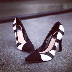 时尚精品女鞋馆,欧美2015年春季新款包邮斑马条纹马毛真皮软面粗跟尖头低帮鞋单鞋女