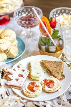 Tea sandwiches are so charmingly British. Since tea sandwiches are an essential part of Afternoon Tea and British cuisine, I Tea Recipes, Brunch Recipes, Kitchen Aid Recipes, Cooking Recipes, Vanilla Scones Recipes, Cucumber Tea Sandwiches, Tutu Cakes, How To Make Sandwich, Pastries