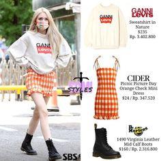Blackpink Fashion, Kpop Fashion Outfits, Girls Fashion Clothes, Stage Outfits, Korean Fashion, Fashion Dresses, Style Clothes, Looks Teen, Mode Kpop