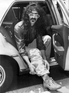 Frank Zappa - a man of many musical moods Frank Vincent, Musical Hair, Frank Zappa, San Andreas, Star Wars, Music Icon, Popular Music, Record Producer, Music Is Life