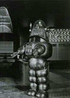 """Robby the robot in """"The Invisible Boy"""" Classic Sci Fi, Classic Horror Movies, Science Fiction, Fiction Movies, The Invisible Boy, Planet Movie, Robby The Robot, Movies For Boys, Vintage Robots"""
