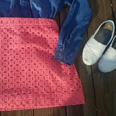 LAST CHANCE J. Crew eyelet skirt Beautiful skirt! Just trying to clear my closet out. Size 6 absolutely no problems. Hits above the knees Feel free to make an offer! J. Crew Skirts