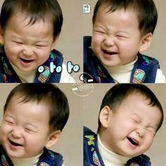 Soon bebe. Korean Babies, Asian Babies, Dream Baby, Baby Love, Cute Kids, Cute Babies, Triplet Babies, Superman Kids, Song Daehan